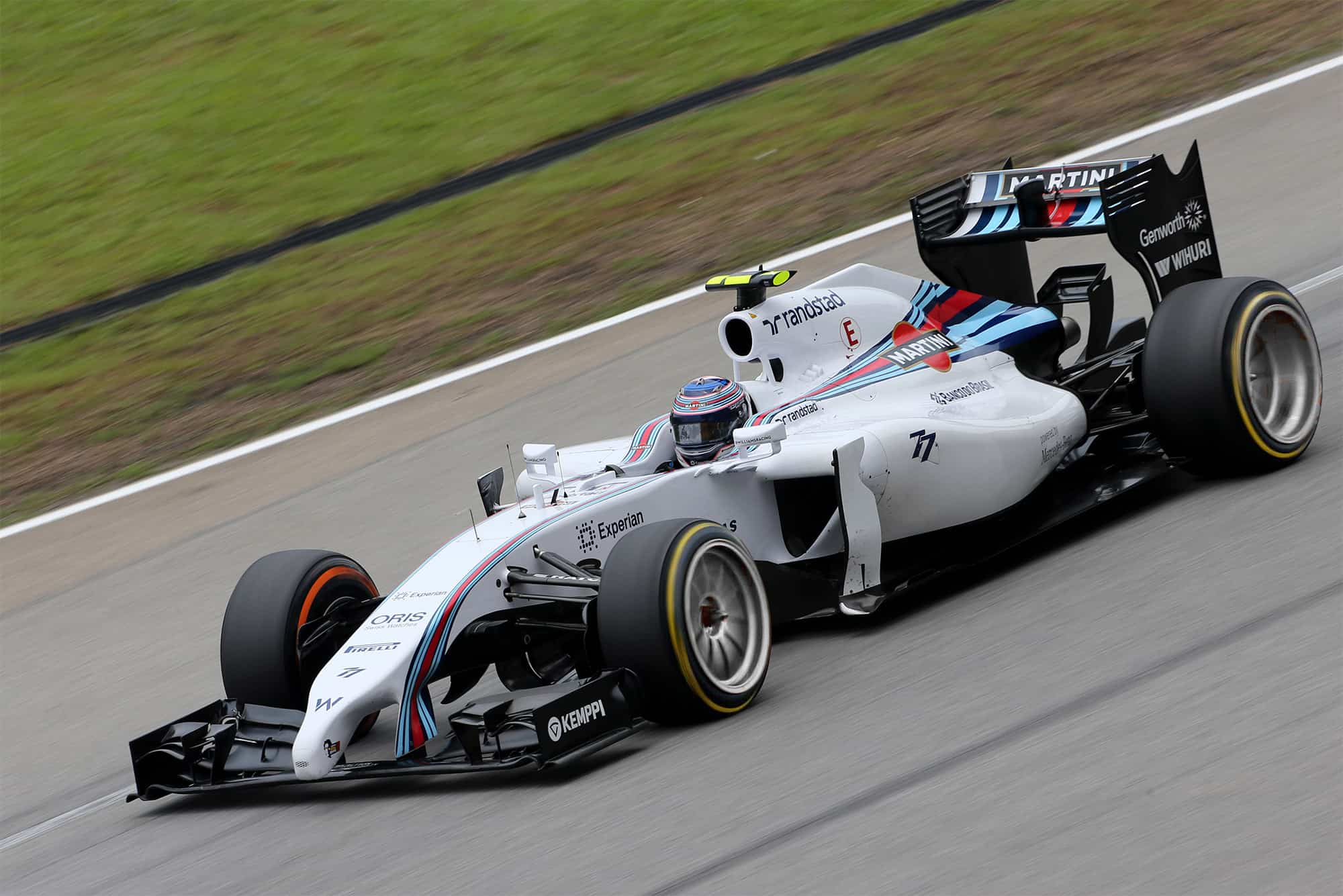Bottas Williams F1 car 18 inch wheels
