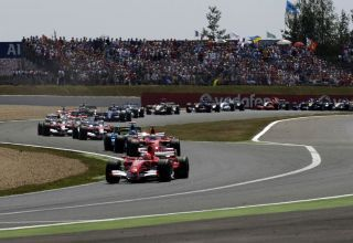 French GP F1 2006 start first corners Photo Ferrari