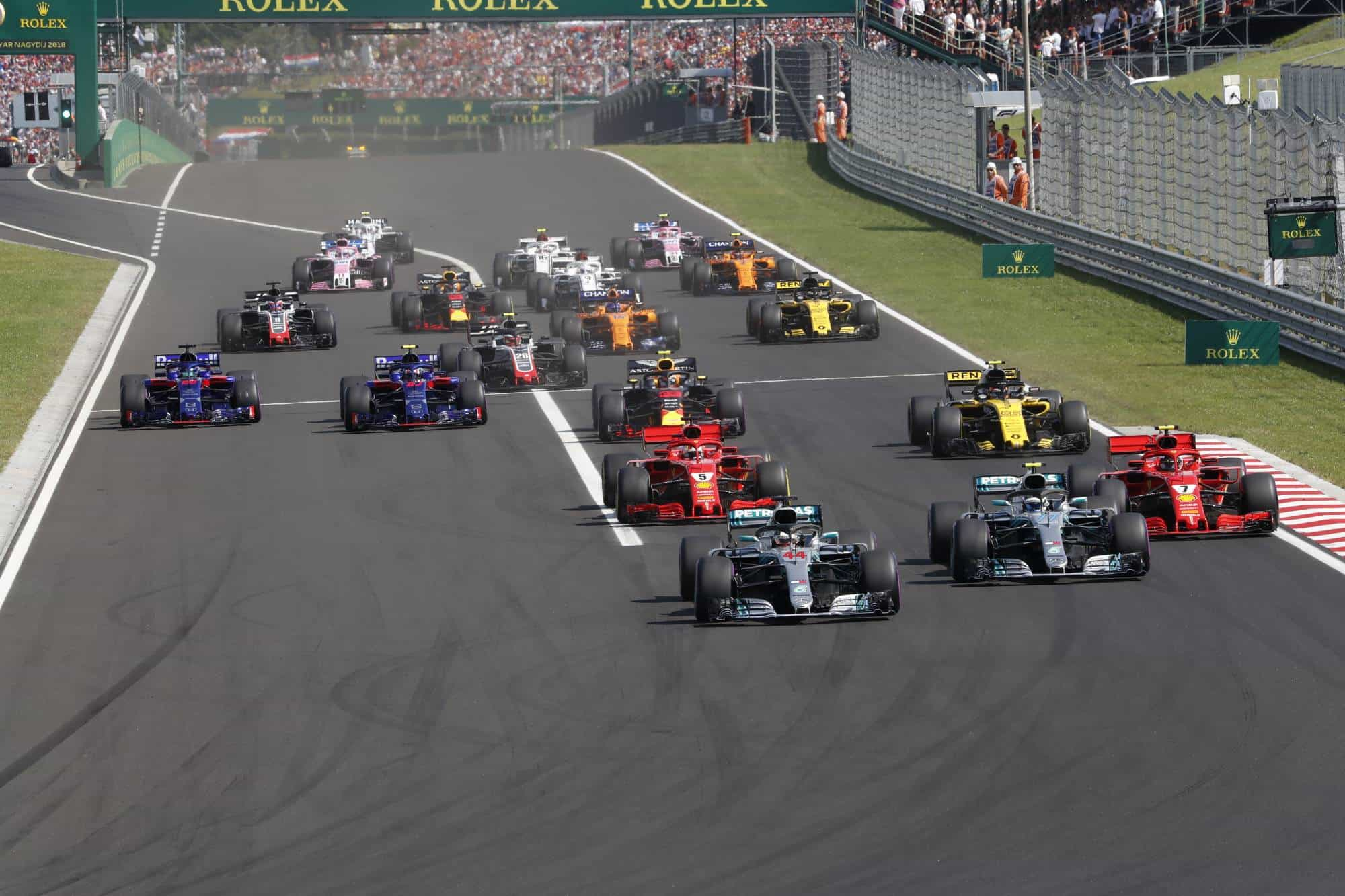 Hungarian GP F1 2018 start 2000 px Photo Daimler
