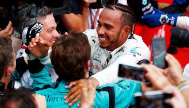 Lewis Hamilton Mercedes W09 German GP F1 2018 win hug mechanics Photo Daimler F1