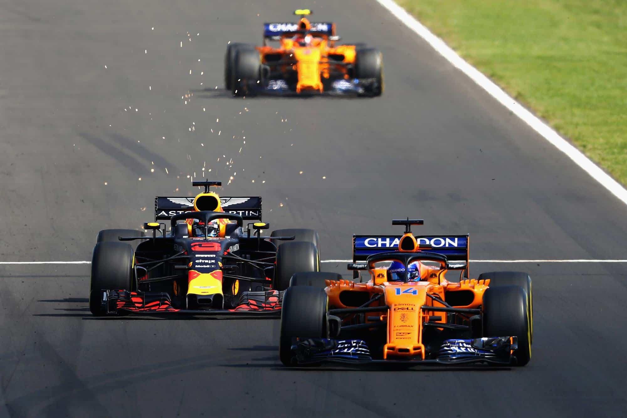 Ricciardo Red Bull battles Alonso McLaren Hungarian GP F1 2018 Photo Red Bull