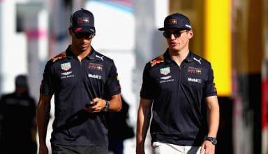 Ricciardo Verstappen walking F1 2018 Photo Red Bull