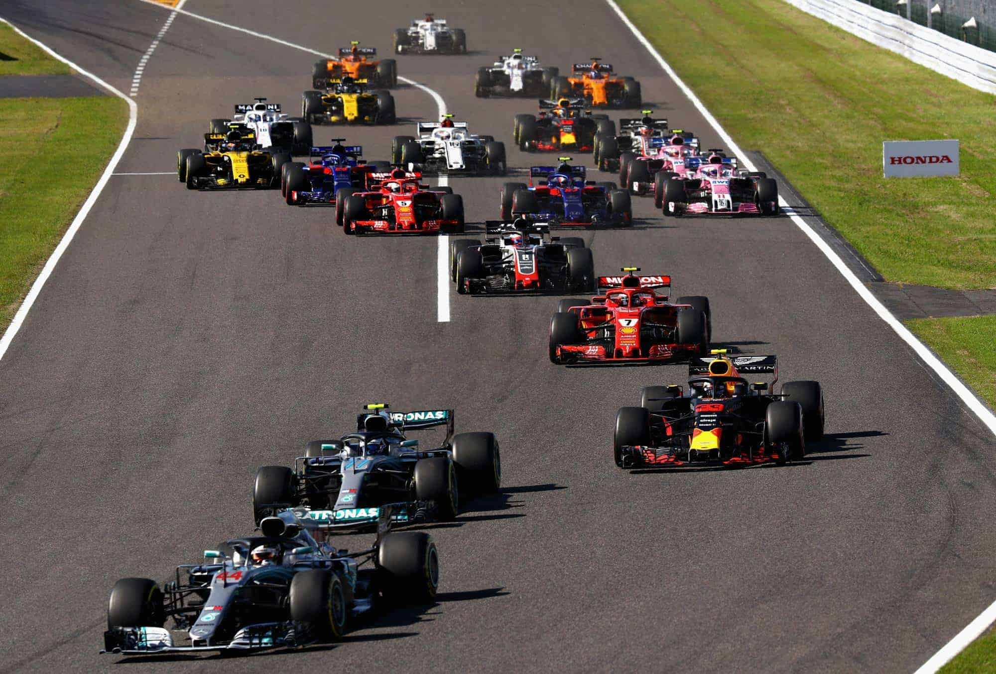 Japanese GP F1 2018 start Hamilton leads Bottas Verstappen Raikkonen Photo Red Bull