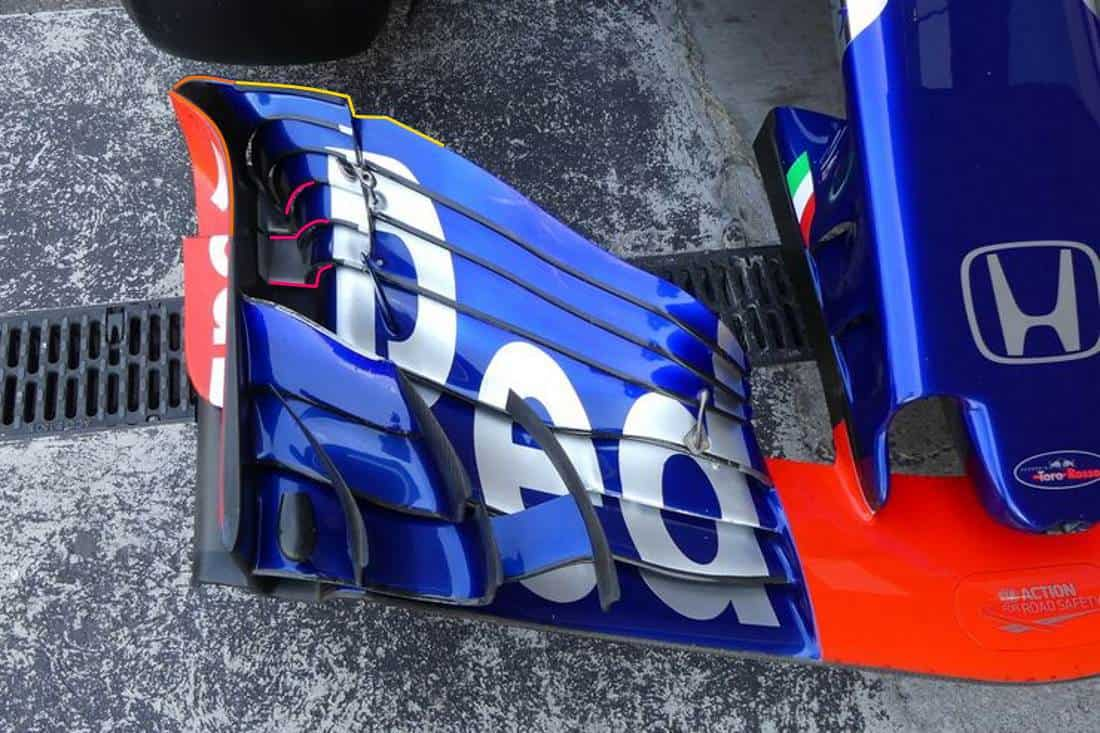 Toro Rosso STR13 Honda Mexican GP F1 2018 old front wing Photo Red Bull