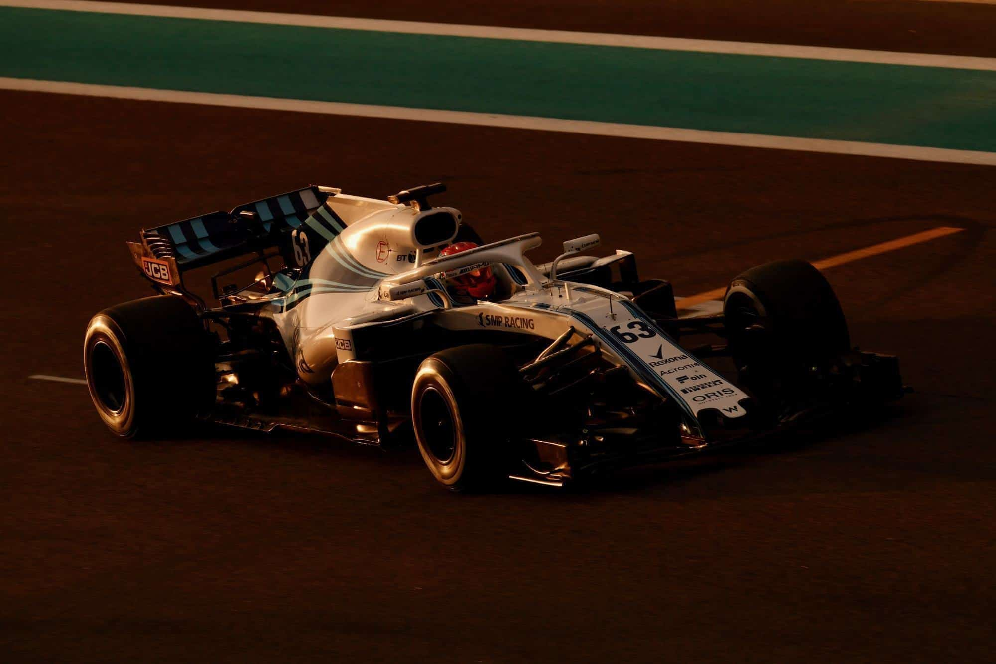 Robert Kubica Williams FW41 post season Abu Dhabi F1 2018 test dark Photo Pirelli