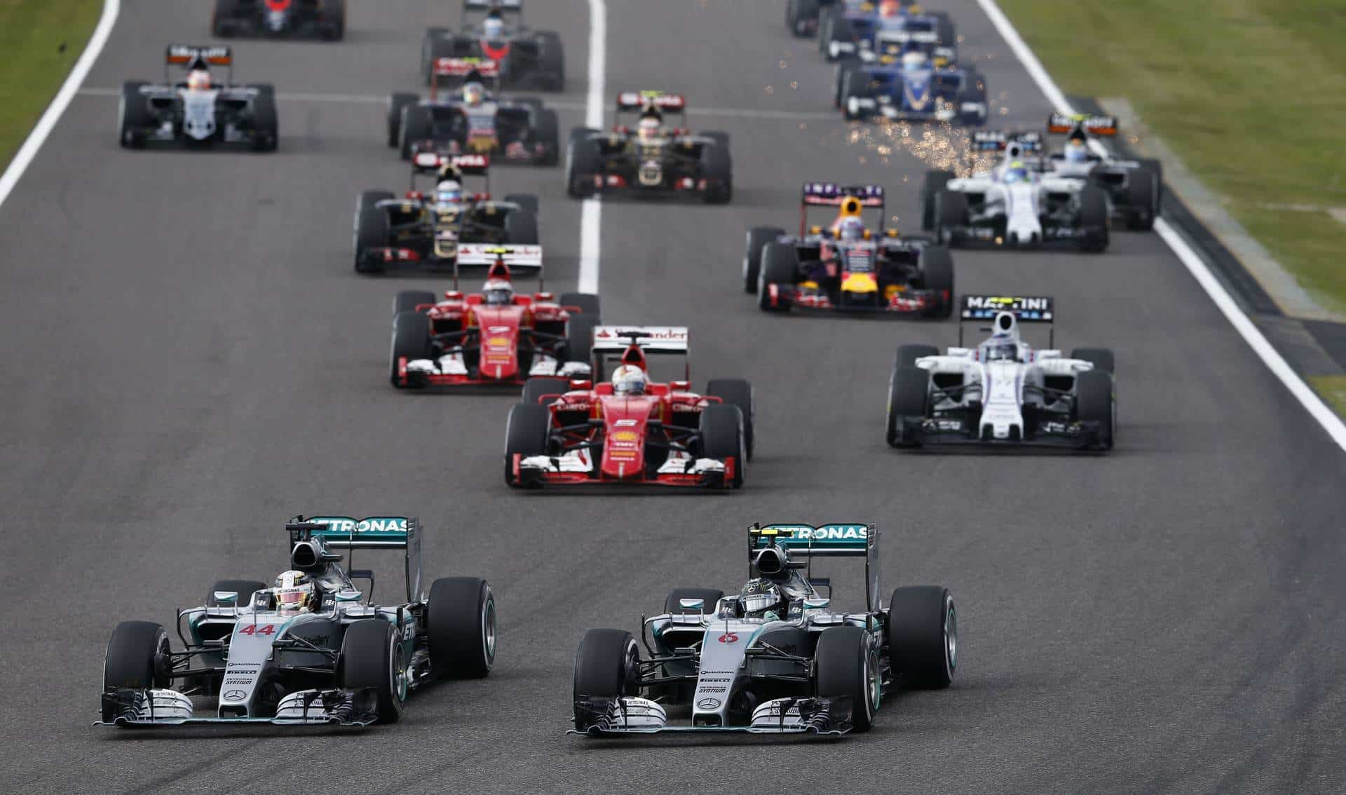 2015 Japanese GP start Hamilton Rosberg Mercedes