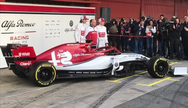 2019 Alfa Romeo Racing presentation side