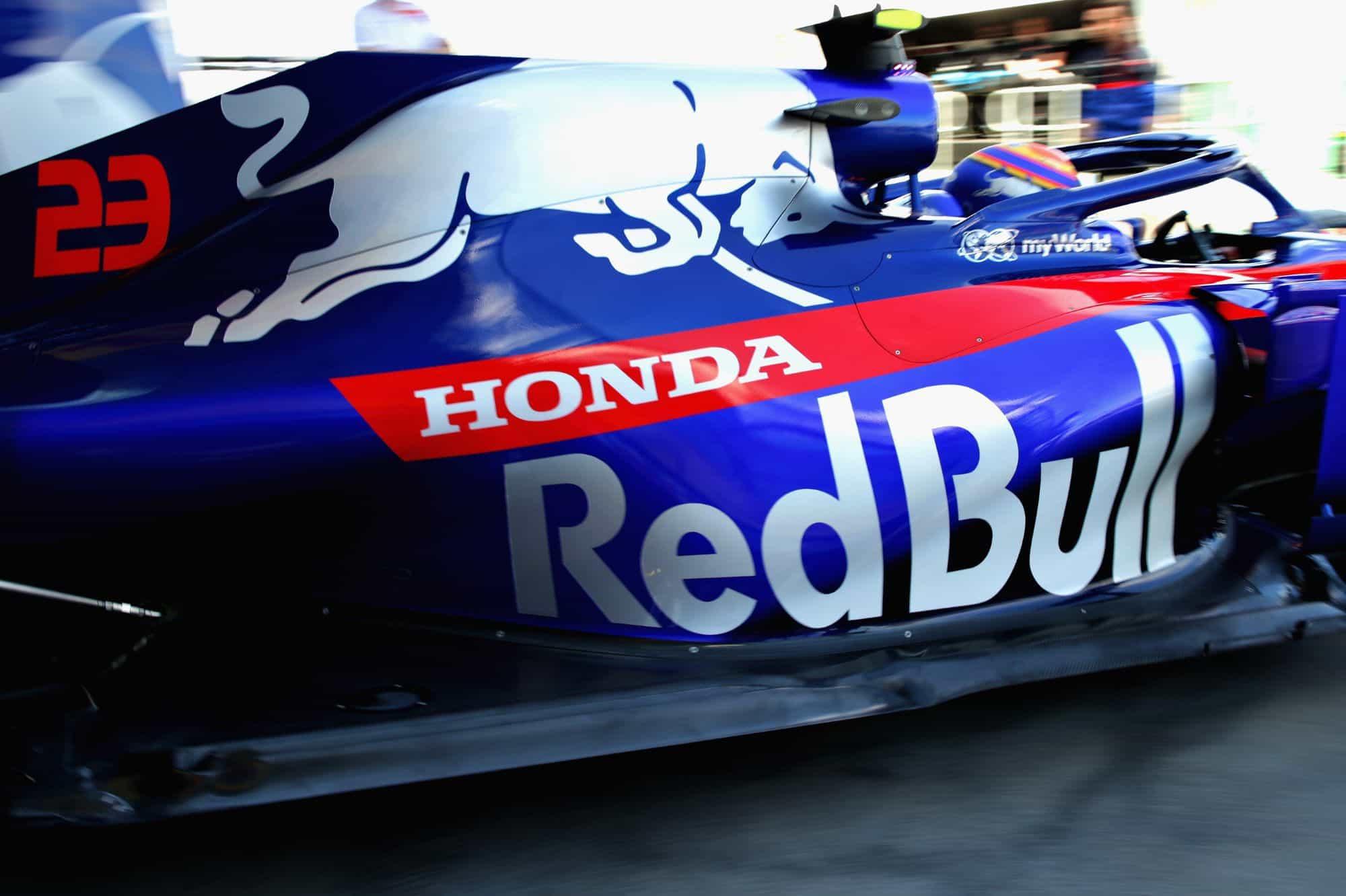 Alexander Albon Toro Rosso Honda STR14 Australian GP F1 2019 pitlane Photo Red Bull