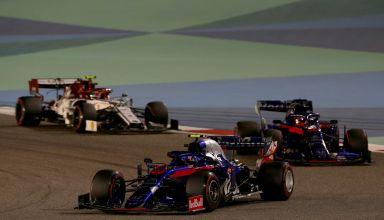 Alexander Albon of Thailand driving the (23) Scuderia Toro Rosso STR14 Honda leads Daniil Kvyat driving the (26) Scuderia Toro Rosso STR14 Honda on track during the F1 Grand Prix of Bahrain at Bahrain International Circuit on March 31, 2019 in Bahrain