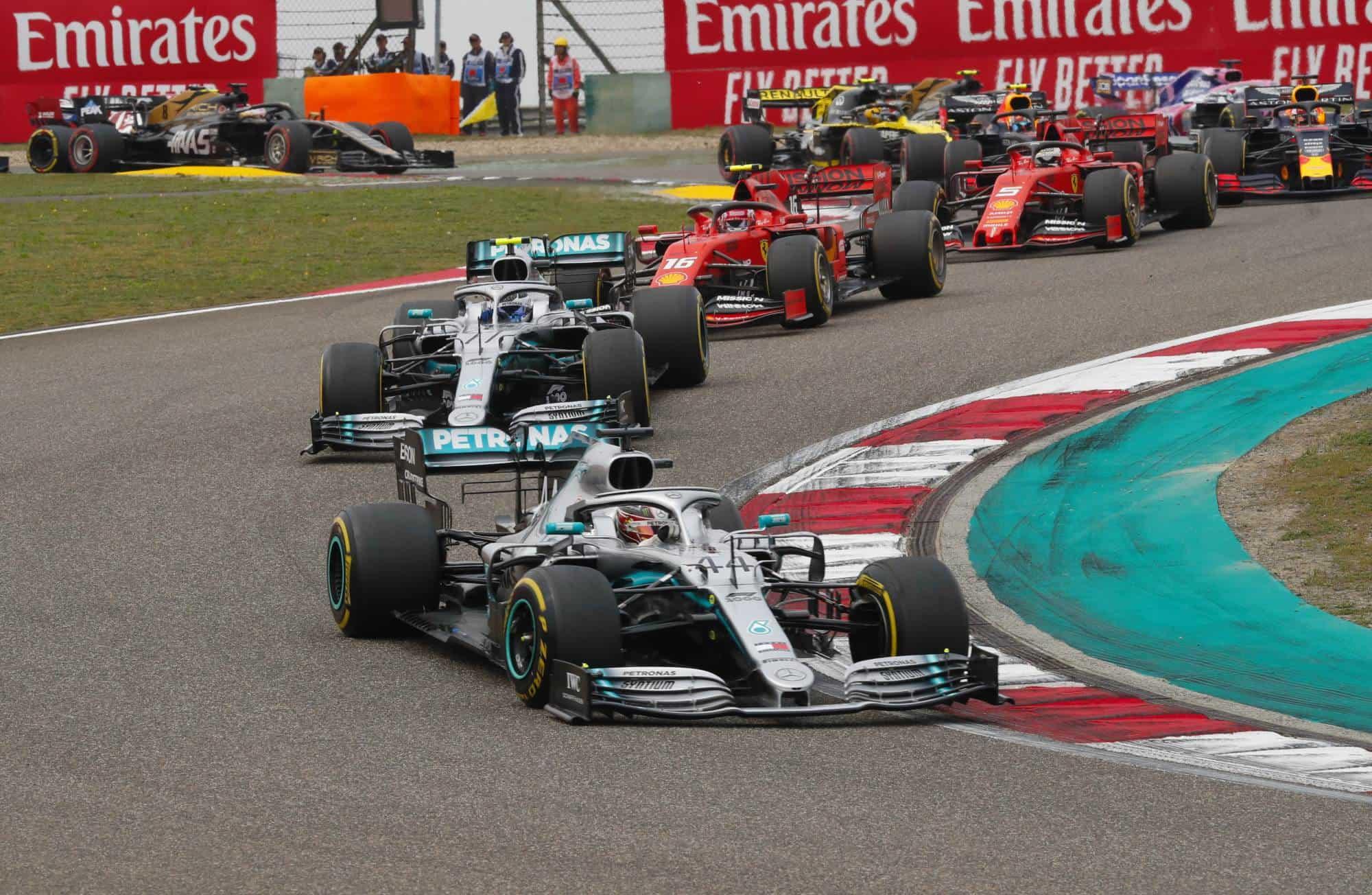 Hamilton leads Bottas Chinese GP F1 2019 start Photo Daimler