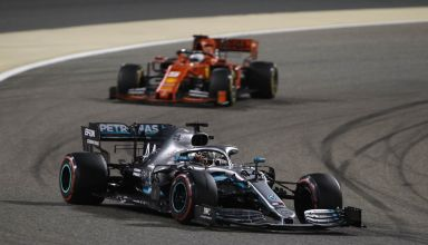 Hamilton leads Vettel Bahrain GP F1 2019 Photo Daimler