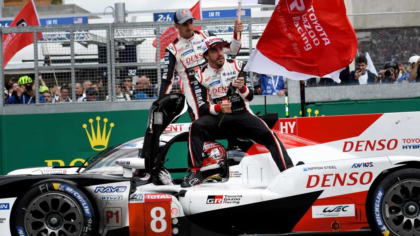 Alonso Nakajima Buemi Toyota LeMans 24h 2019 celebrating victory Photo Eurosport