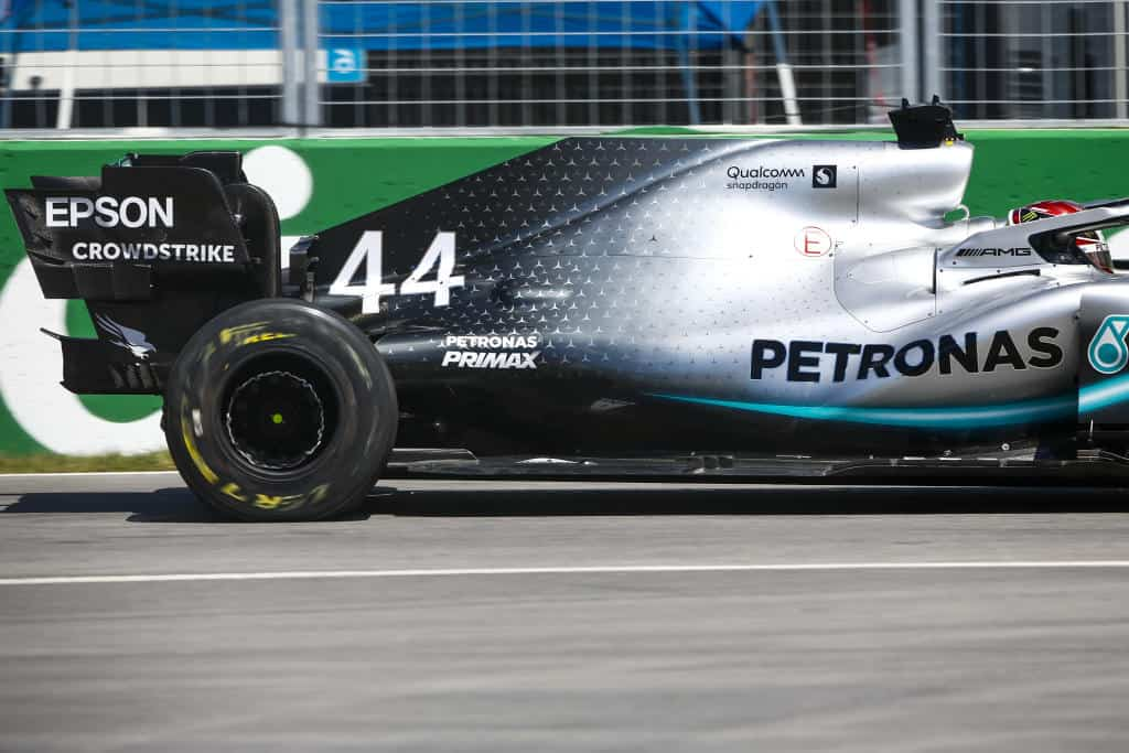 2019 Canadian GP Hamilton danages his Mercedes F1 W10 in FP2 crash in Turn 8/9