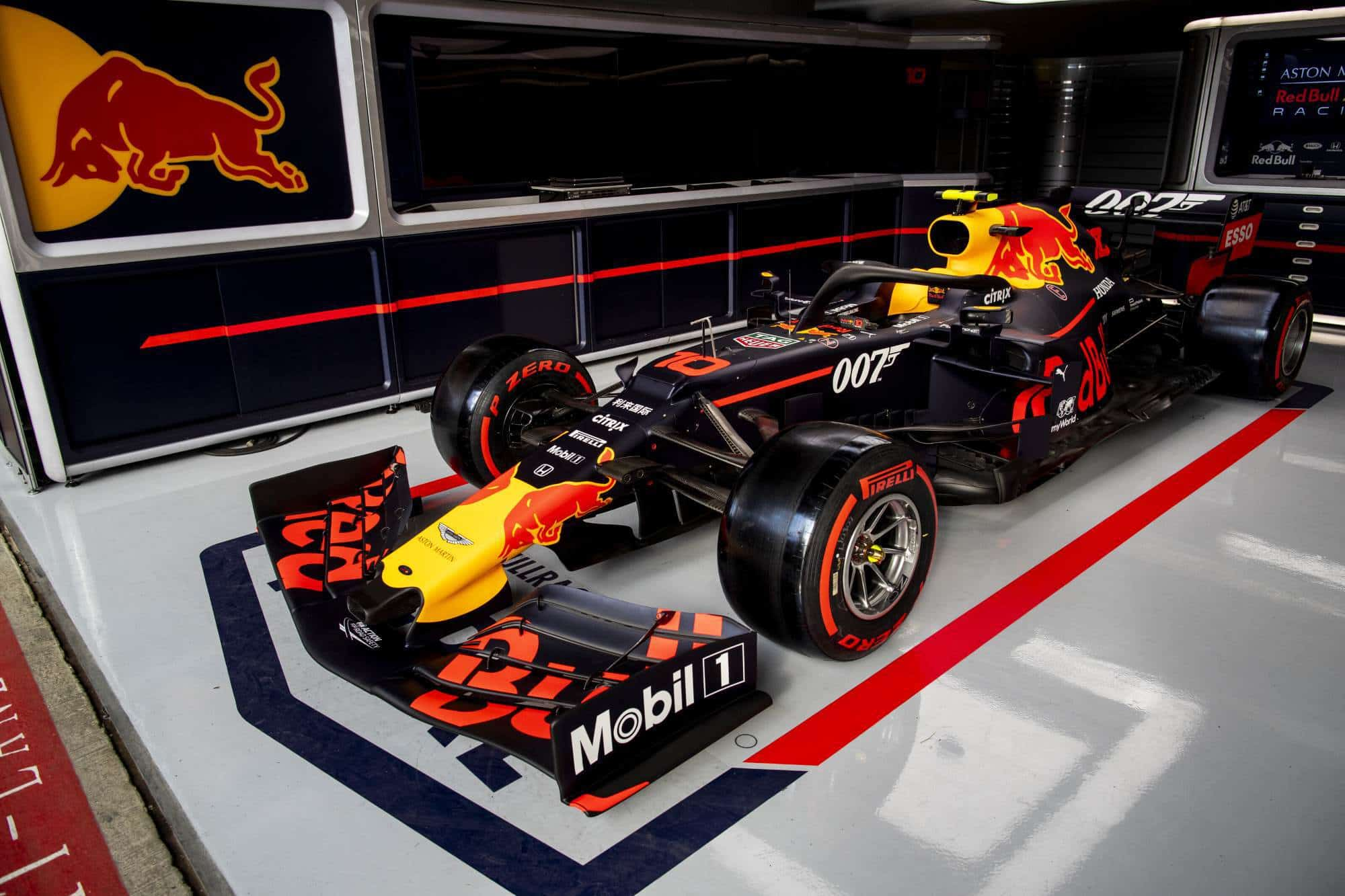 Aston Martin Red Bull RB15 British GP F1 2019 James Bond livery pits Photo Red Bull