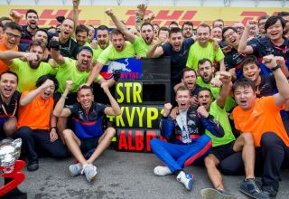 Daniil Kvyat celebrates his third place at the German GP F1 2019 with his Toro Rosso team and Alexander Albon Photo Red Bull