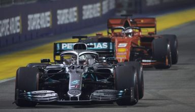 Hamilton leads Vettel Singapore GP F1 2019 Race Photo Daimler