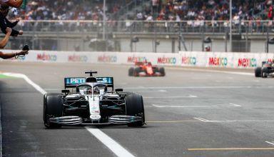 Hamilton Mercedes Mexican GP F1 2019 victory celebration finish line Photo Daimler