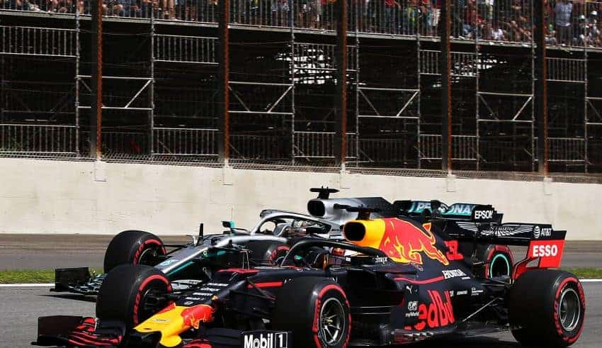 Hamilton Verstappen F1 2019 Brazilian GP duel Photo Red Bull
