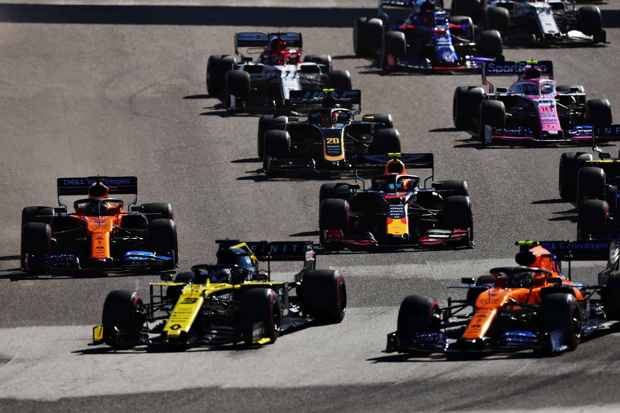 USA GP F1 2019 start Sainz Albon 1st corner Photo Red Bull