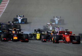USA GP F1 2019 start Verstappen Vettel Photo Red Bull