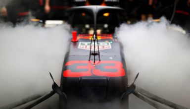 Verstappen Red Bull RB15 Abu Dhabi GP F1 2019 garage smoke Photo Red Bull