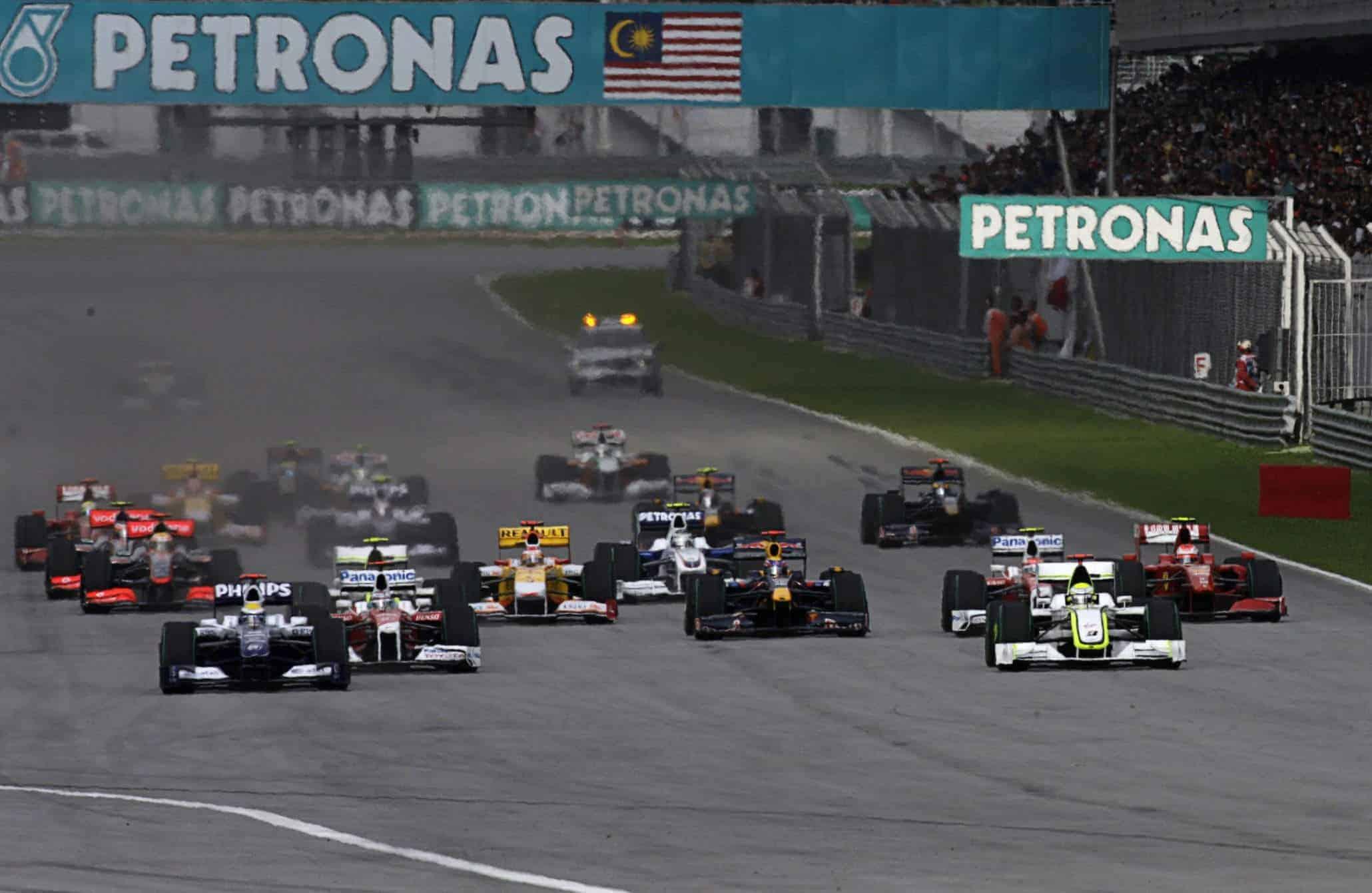 2009 Malaysian GP start Photo Red Bull