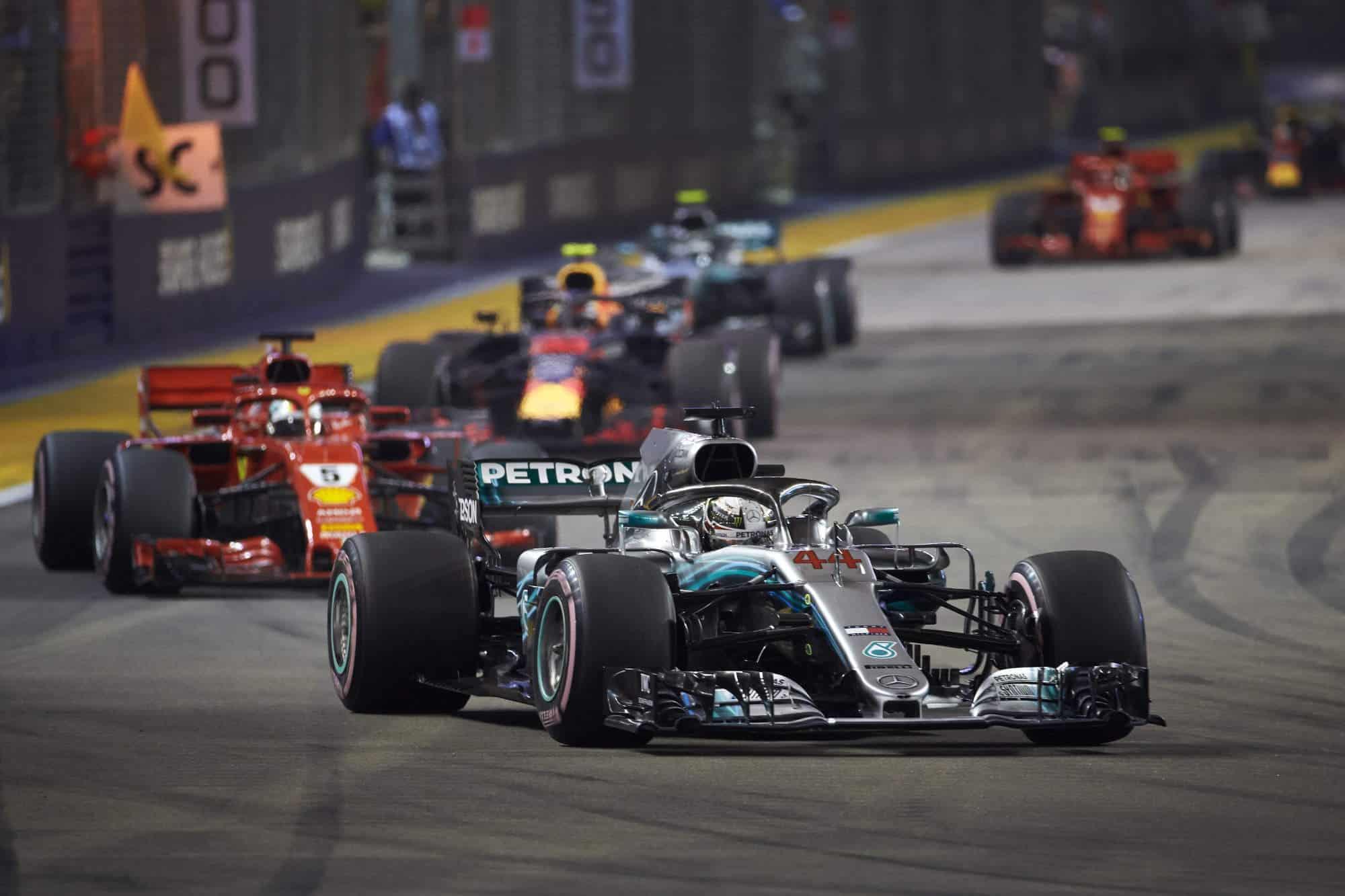 2018 Singapore GP start Hamilton leads Photo Daimler