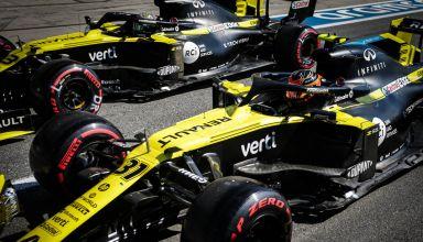 2020 Italian GP Ricciardo Ocon pitlane Renault RS20 Photo Renault