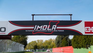 2020 Emilia Romagna Imola start finish line Photo McLaren