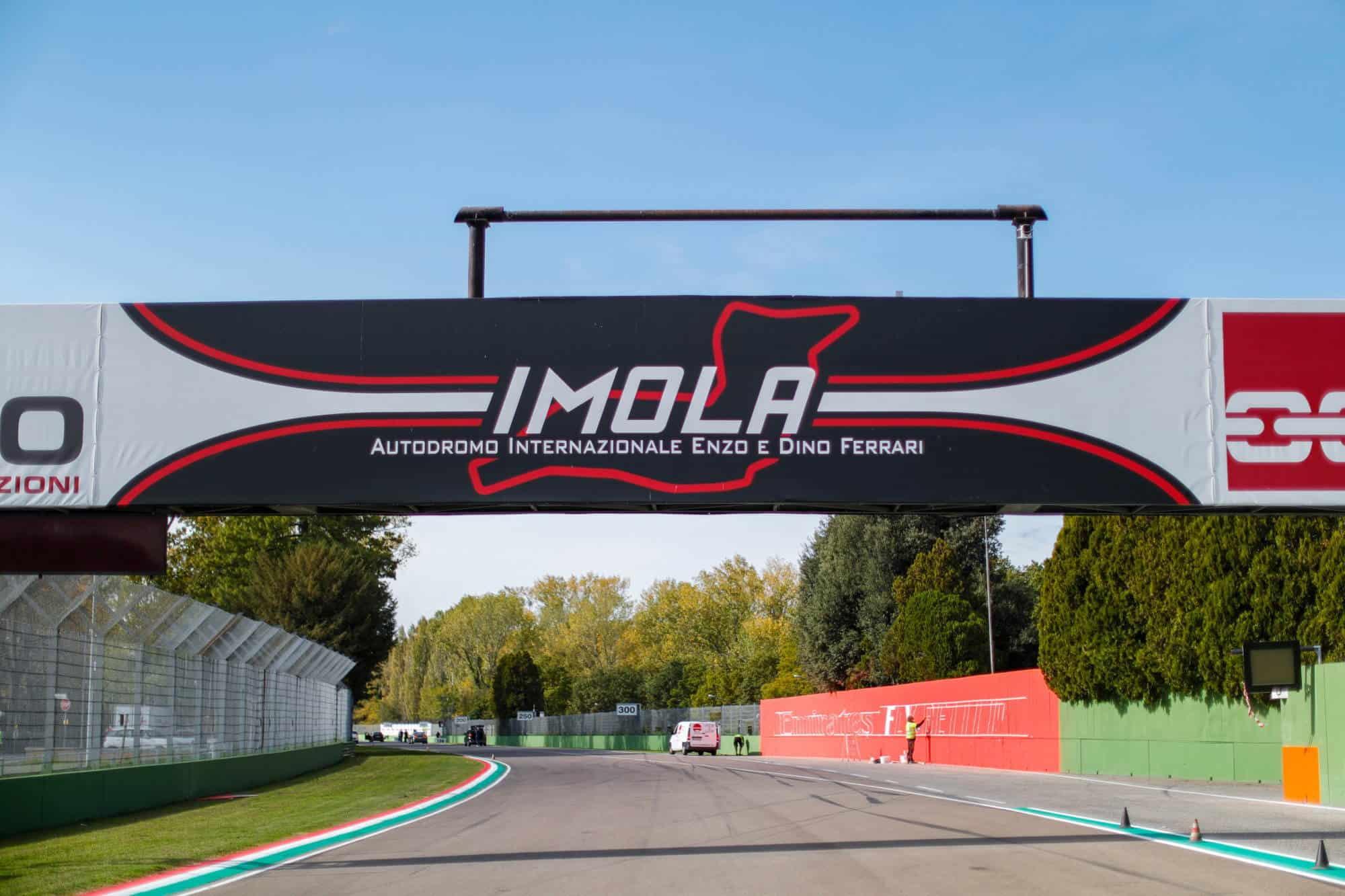 2020 Emilia Romagna Imola start finish line Photo McLaren