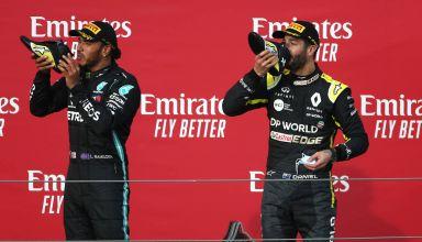 2020 Emilia Romagna GP Imola Hamilton Ricciardo doing shoey Photo Renault