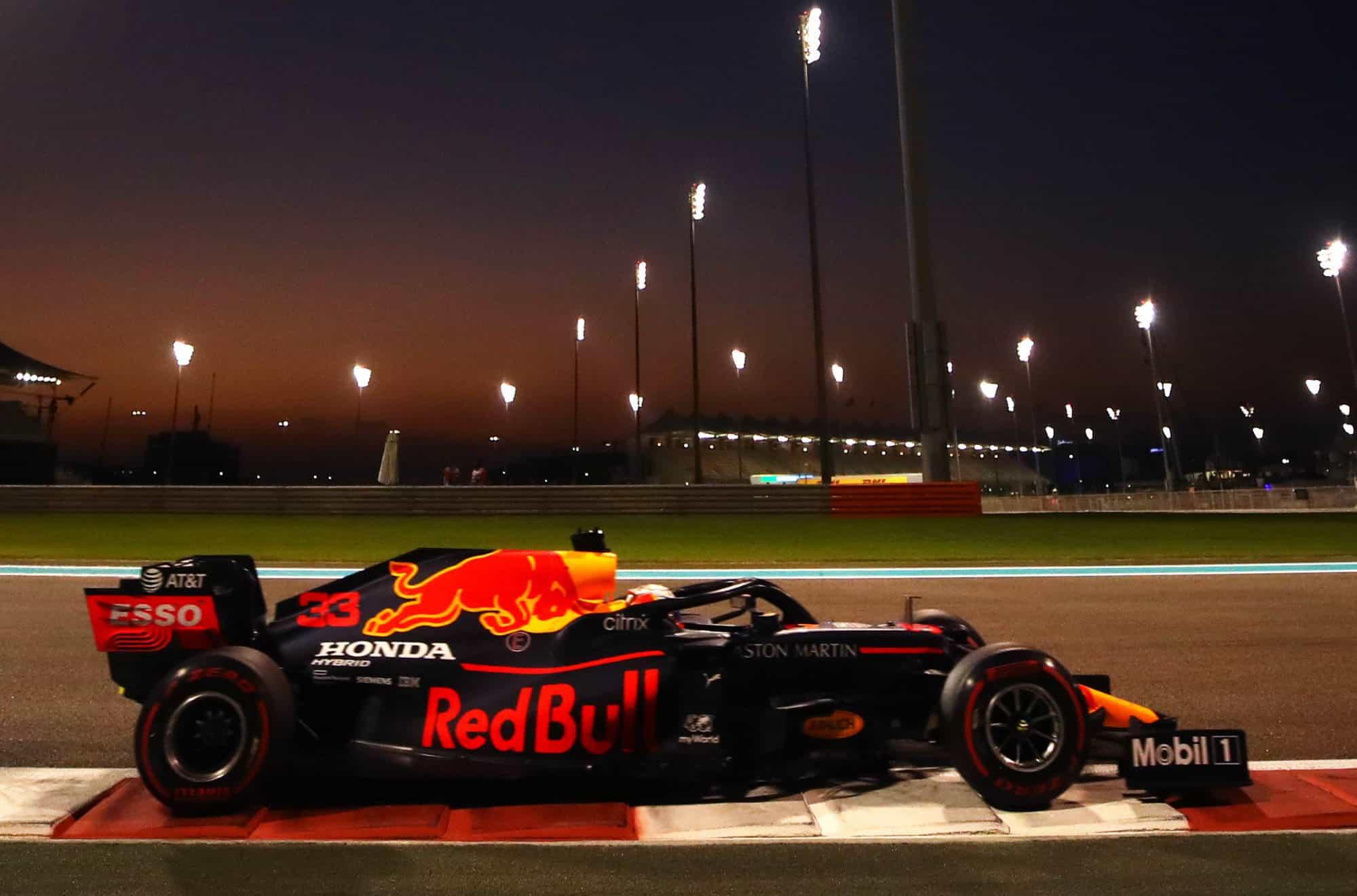2020 Abu Dhabi GP Verstappen Red Bull FP2 soft Photo Red Bull