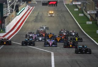 2020 Bahrain GP start Photo Daimler