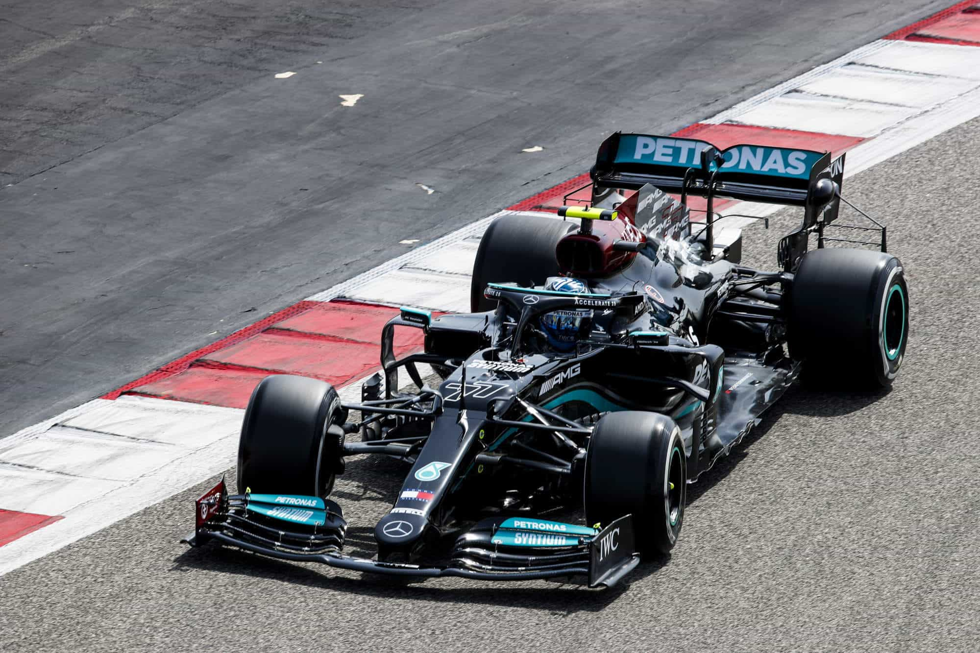 2021 Bahrain F1 test day 1 Bottas Mercedes C2 Pirelli Photo Pirelli