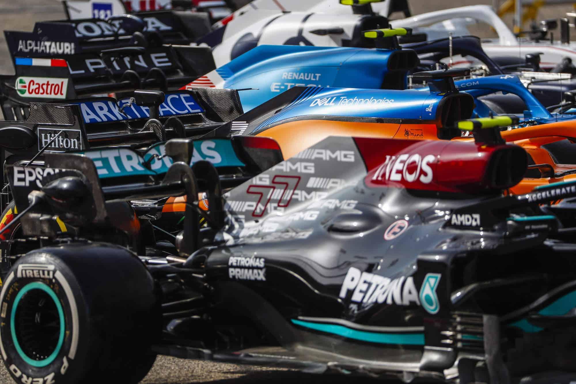 2021 Bahrain F1 testing F1 2021 cars side zoom Photo Pirelli