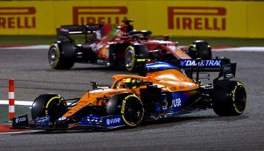 2021 Bahrain GP Norris leads Leclerc race on mediums C3 PIrelli Photo McLaren