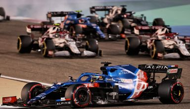 2021 Bahrain GP Alonso leads the pack in the race Photo Alpine