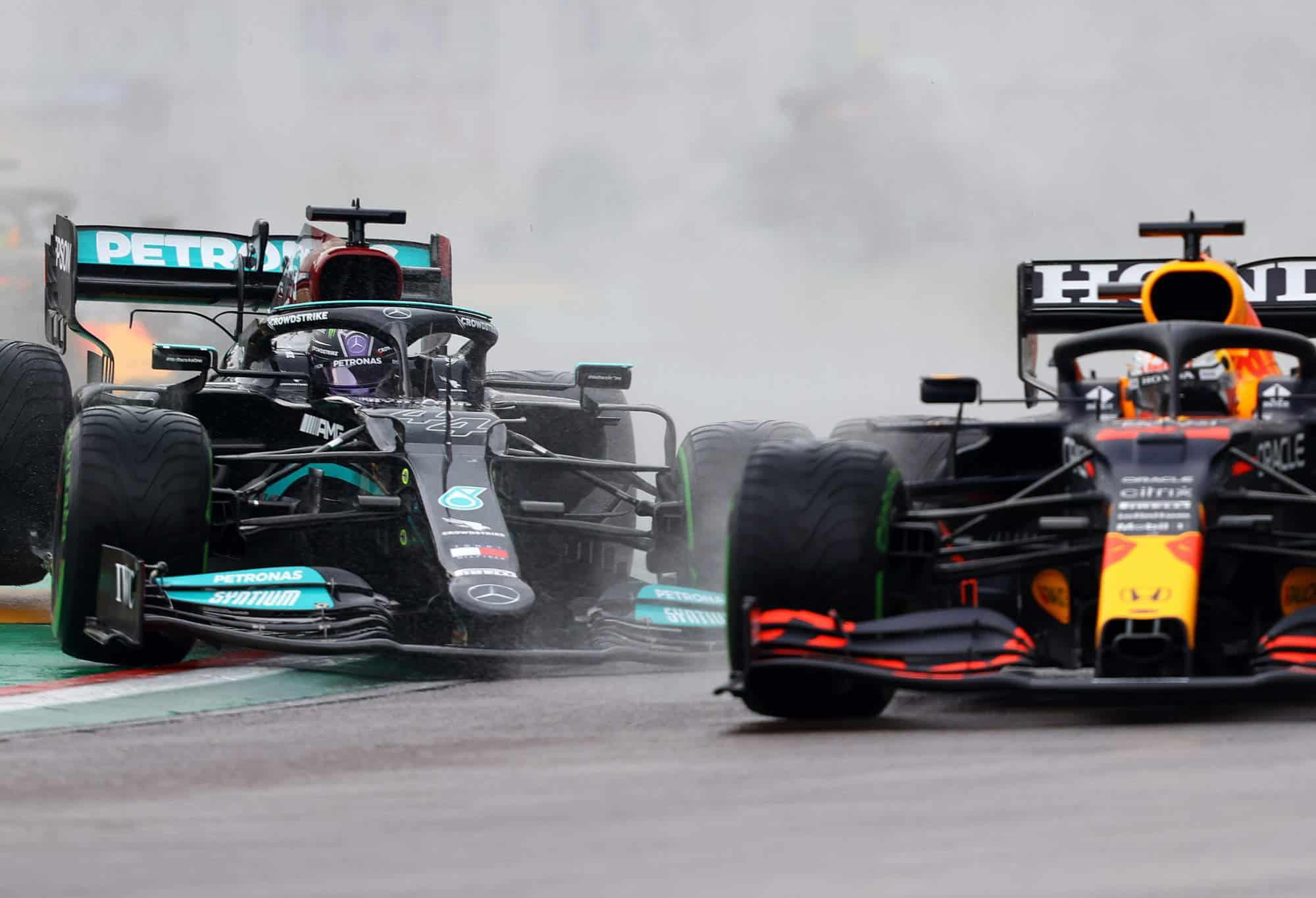 2021 Emilia Romagna GP Verstappen vs Hamilton first lap battle close zoom Photo Red Bull