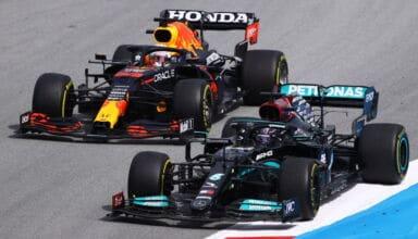 2021 Spanish GP Hamilton battles Verstappen 1st corner pass for the lead race Photo Red Bull