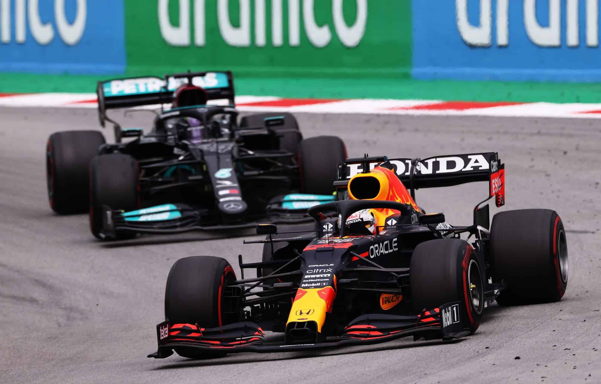 2021 Spanish GP Verstappen leads Hamilton race Photo Red Bull