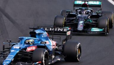 2021 Hungarian GP Alonso Hamilton battle zoom shot Photo Alpine
